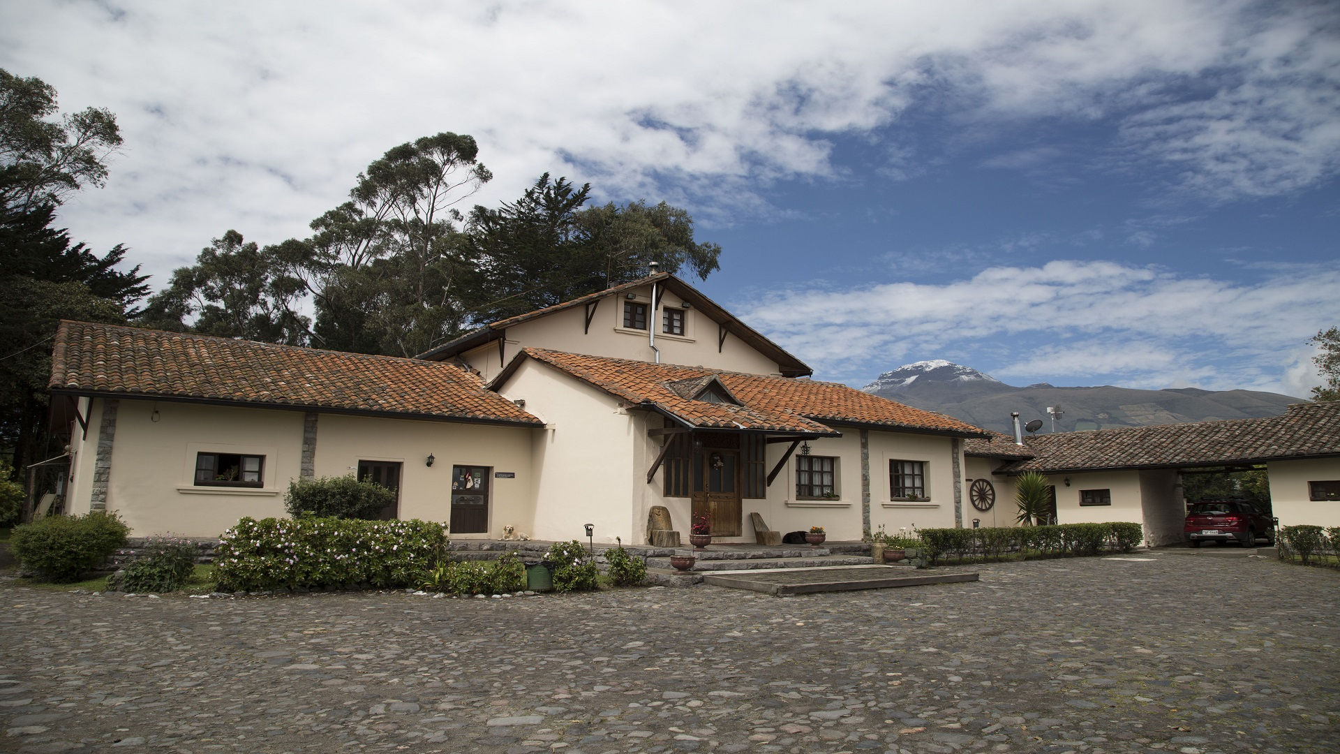 hosterias ecuador, machachi hosteria, ecuador tours, cotopaxi, tour cabalgata ecuador, tour bicicleta ecuador